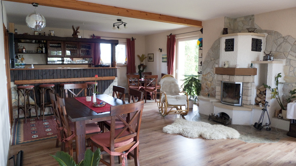 Der große Gemeinschaftsraum im Haus mit den Ferienwohnungen.