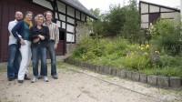 Wir mit Edith und Axel - vielen Dank für eure Gastfreundschaft und das tolle Haus